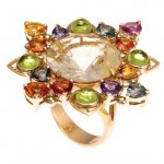Anello in Oro Rosso con Zaffiri, Peridoti, Quarzo Rutilato<br /><em>Red Gold ring with Sapphires, Peridot and Rutilated Quartz</em>