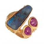 in Oro Rosso con Opale e Rubini<br /><em>Red Gold ring with Opal and Rubies</em>