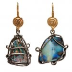Orecchini in Oro Rosso, Argento e Opali<br /><em>Red Gold and Silver earrings with Opals</em>